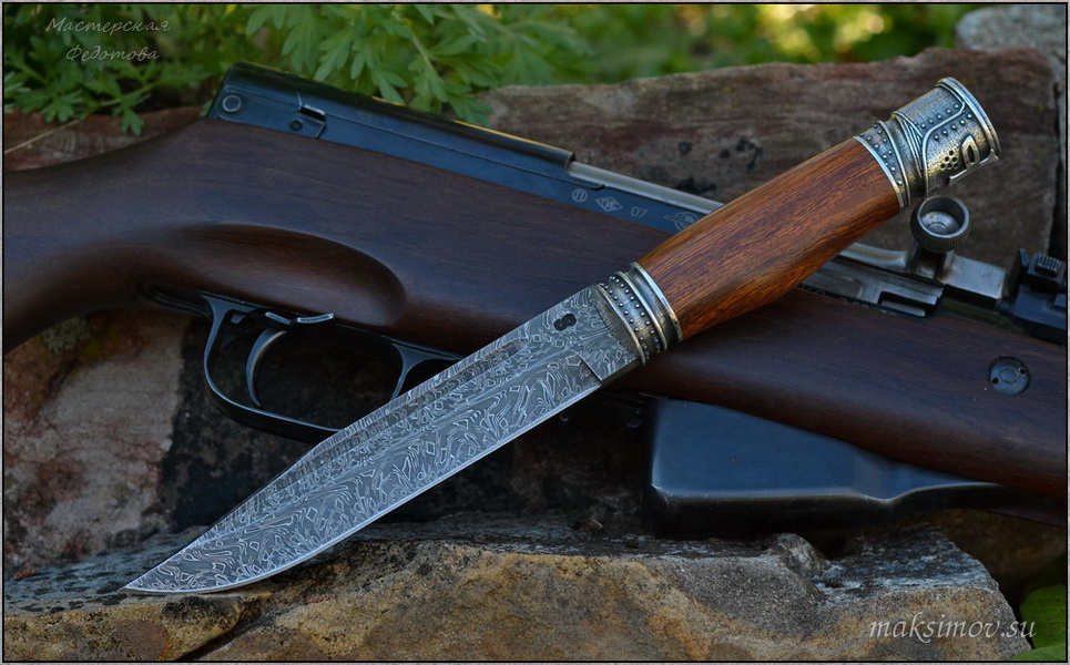 Охотничий нож «Лось-2» с клинком из дамаска